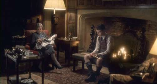 Maggie Smith sewing POTC by the fire